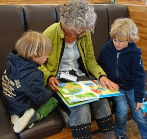 read with your kids for-reading-813666_960_720