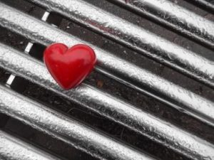 love on steel heart-1211340_960_720