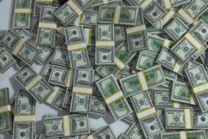 money packs-163497_960_720