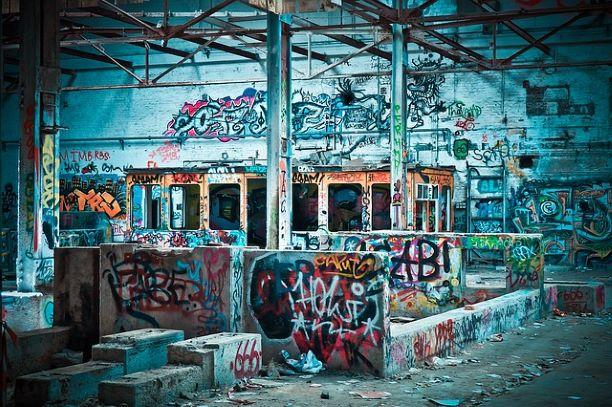 graffiti lost-places-1510592_640