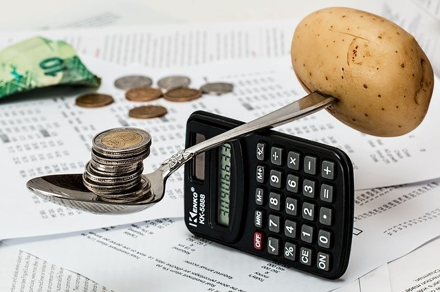 balancing the budget of cpc ads coins-1015125_640 calculator money potato