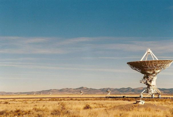 satellite dishes at the very large array flash fiction writing prompt